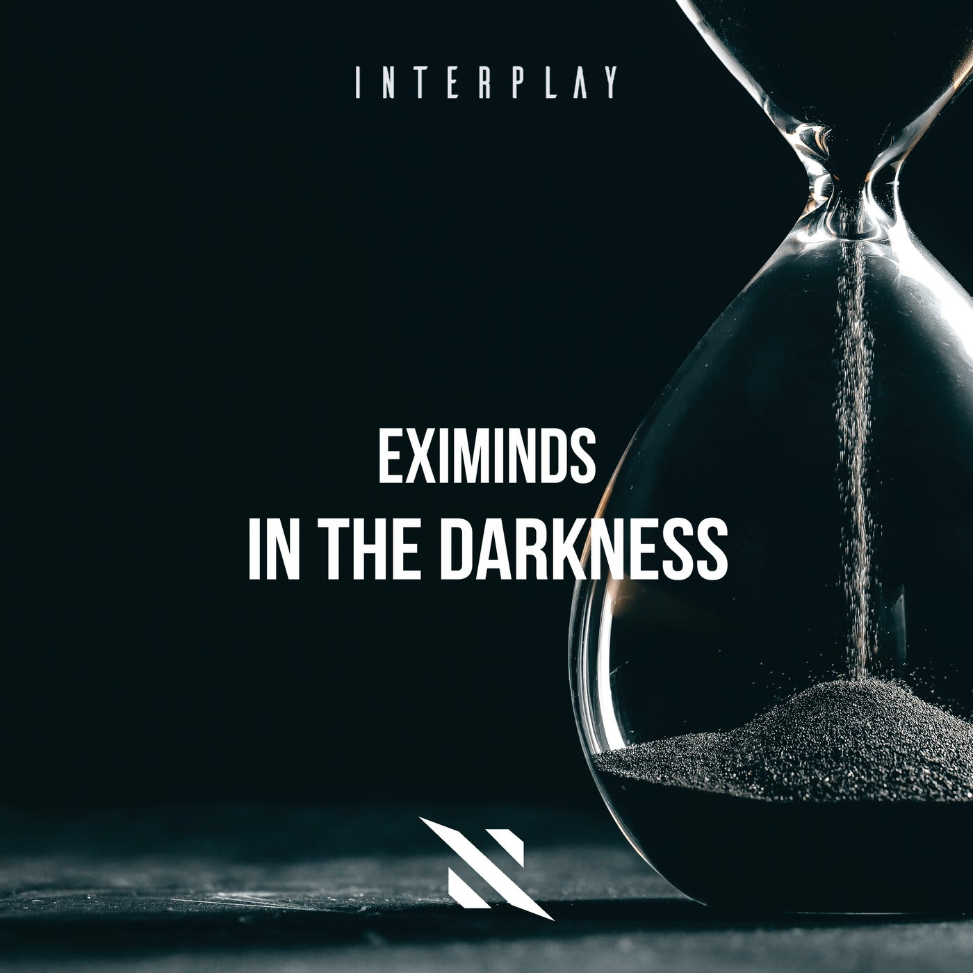 Eximinds - In The Darkness (Extended Mix)