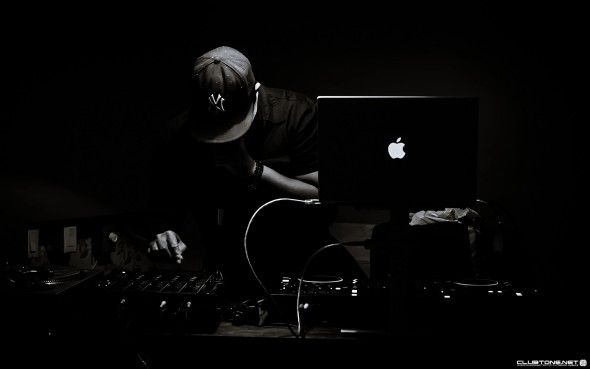 dj play black background предпросмотр